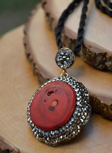 Stoneage Kırmızı Mercan El Yapımı Kadın Kolye Renkli